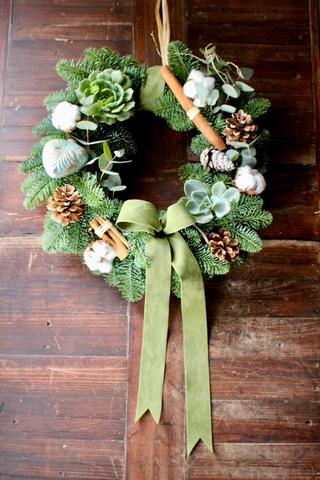 Festive Door Wreath with a Twist